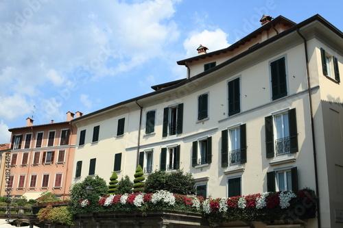 antica casa italiana, con terrazza fiorita \