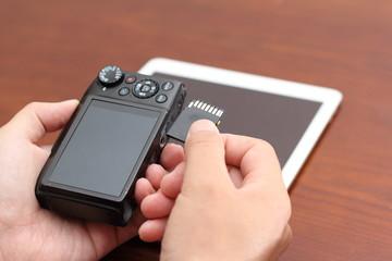 デジタルカメラとタブレットPC データ取り込みイメージ