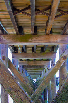 Under the jetty in Hull MA