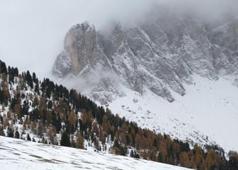 Wintereinbruch im Villnösstal, Geislerspitzen
