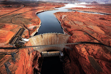 Glen Canyon dam - aerial view
