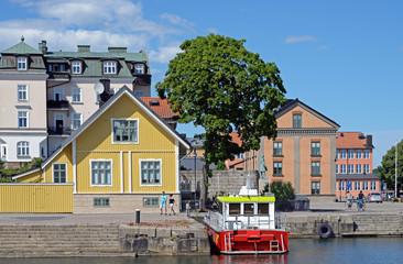 Hafen mit Feuerlöschboot in Karlskrona
