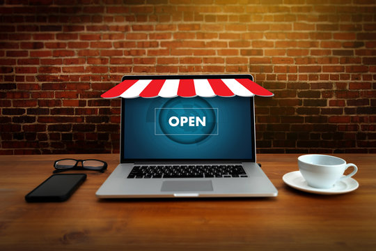 Business people use Technology E-commerce Internet Global Marketing Purchasing Plan and Bank Concept commerc