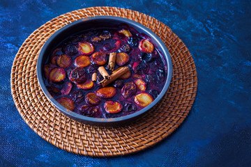 oven-baked plums