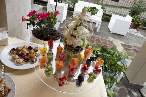 Buffet Di Dolci E Frutta : Buffet di dolci e frutta fresca picture of il cucu pisogne