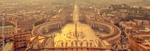 Fototapete Panoramic aerial view of St Peter's square in Vatican, Rome Italy