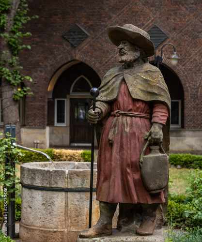 "garten bremen, st. magnus statue in bremen bible garten."" stock photo and royalty, Design ideen"