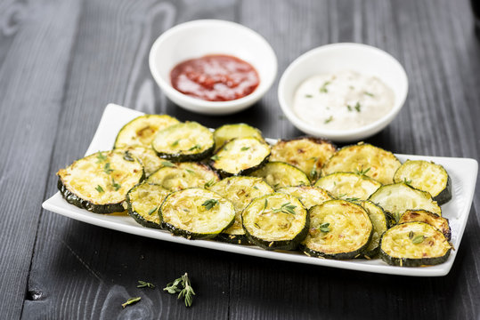 zucchini chips and sauces