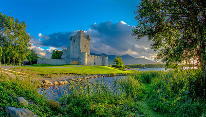 Zelfklevend Fotobehang Centraal Europa Idyllic landscape of Ross Castle in the Killarney National Park in Ireland. Travel by car through the Ring of Kerry.