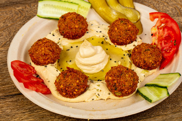 Humus with falafel