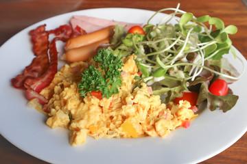 omelette , omelet or scrambled egg