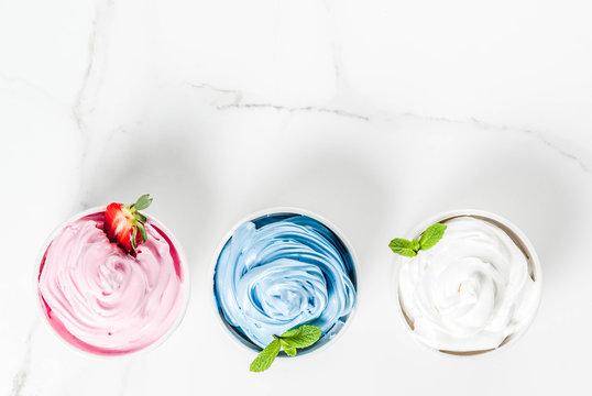 Various berry frozen yogurt