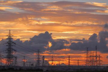 夕景と鉄塔