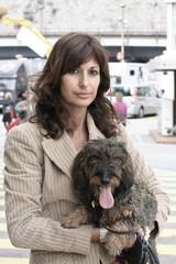 Coppia, cane bassotto donna