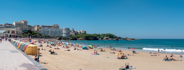 Foto op Canvas Stad aan het water View of Biarritz beach by the Atlantic ocean, France