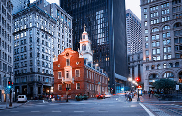 Photo sur Toile Con. ancienne Old State House at night in Boston, USA