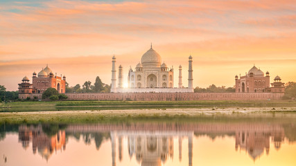Panoramic view of Taj Mahal at sunset
