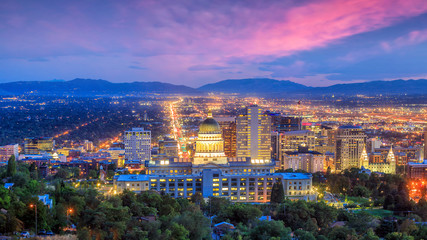 Tuinposter Centraal-Amerika Landen Salt Lake City skyline Utah at night
