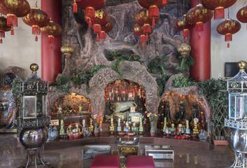 """Sulawesi, Makassar;   """" Istana Naga Sakti Klenteng Xian Ma """"   Buddhistischer Tempel, auch Drachenpalast genannt."""