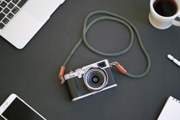 カメラ 黒背景 フラット 黒