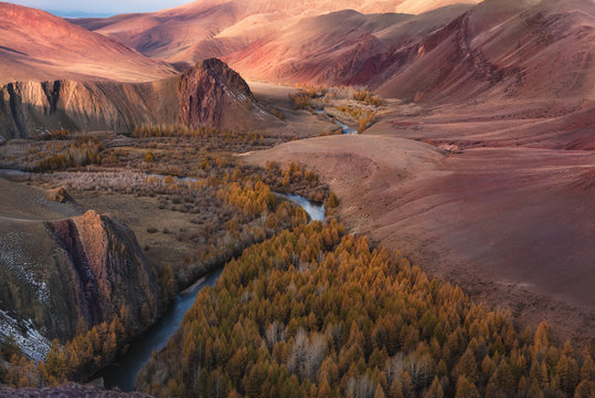 "Fantastic Unearthly ""Martian"" Landscape Of One Of The Most Beautiful Regions Of Russia - Aitai Mountains.The Border Of Mongolia And Russia,The Kokorya Gorge: Numerous Outcrops Of Red And Color Clay"