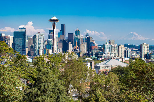 Seattle skyline from Kerry Park on a clear day in pacific northwest Washington with a view to Mount Ranier