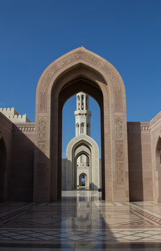 Entrance portal of the Sultan al Qaboos Grand mosque in Mascat, the main mosque in the Sultanate of Oman