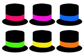 Sombreros de copa con cintas de diferentes colores.