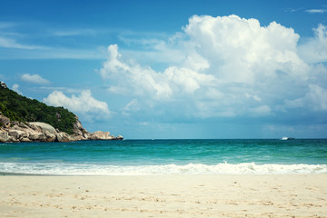 Fototapete - Beautiful bright tropical landscape, perfect beach, blue sky, white sand, turquoise water