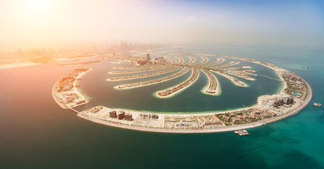 Papiers peints Dubai Aerial view of artificial palm island in Dubai.