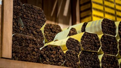 Zigarren Pakete im Humidor einer Zigarrenfabrik