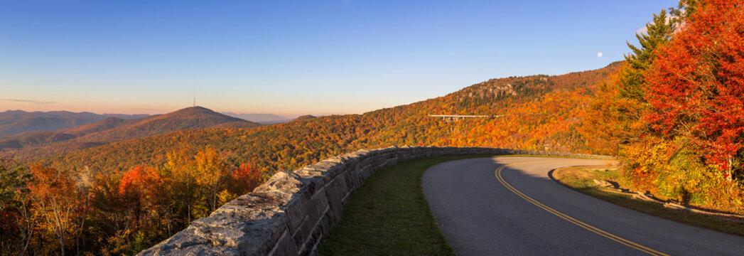 Blue Ridge Parkway, scenic autumn view,  Grandfather Mountain, North Carolina