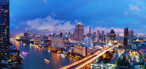 Poster Peking Aerial view landscape of River in Bangkok city at night time
