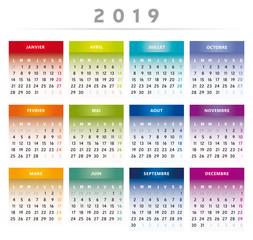 Calendrier 2019 en Français - Couleurs Arc-en-Ciel Format 4 Trimestres