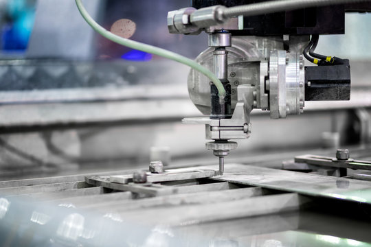 Working process cutter high precision parts by waterjet cutting machine in factory