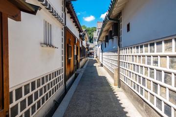 倉敷美観地区の路地 なまこ壁