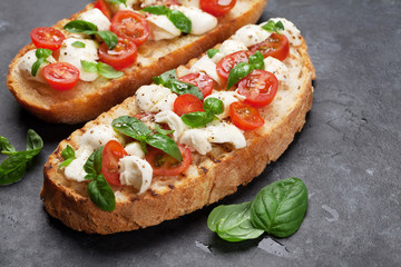 Caprese bruschetta toasts