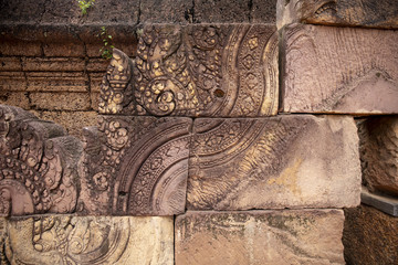 Stone carved bas-relief of Banteay Srei temple in Angkor Wat, Cambodia. Traditional bas-relief on cambodian hindu temple Fototapete