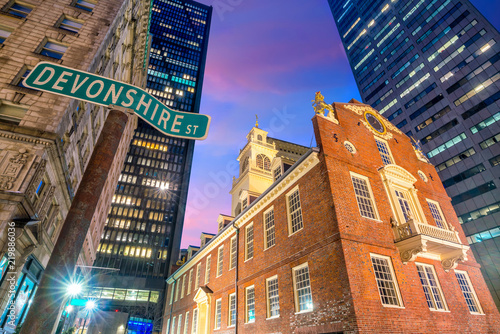 Wall mural Old State House at twilight in Boston