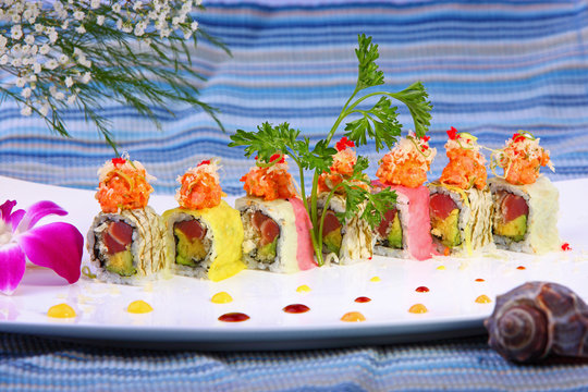 Sushi roll combo with salmon tuna, and soy bean paper