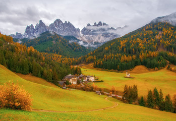 Canvas Prints Honey Amazing autumn view of Santa Maddalena village, South Tyrol, Dolomite Alps, Italy.