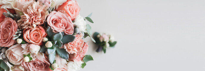 Photo sur Aluminium Fleur Fresh bunch of pink peonies and roses with copy space