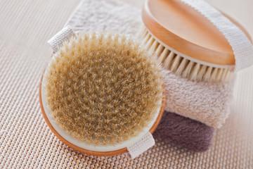 brush for dry body massage