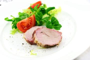 Schweinefilet mit Salat