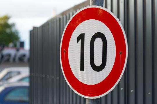 Tempolimit 10 km/h
