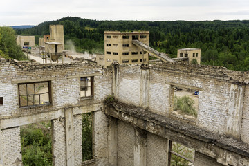 dismantling and processing of old cement plant constructions on crushed stone