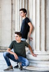 Fashion Aufnahme von männlichen Zwillingen