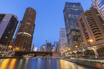 Fototapete - Architecture of Chicago at night