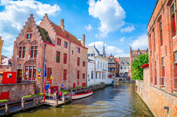 Foto op Canvas Brugge Beautiful canal and traditional houses in the old town of Bruges (Brugge), Belgium
