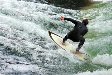 Surfer am Eisbach, München